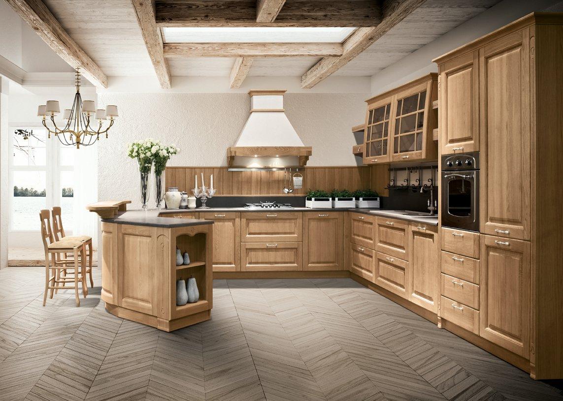 Cucina in legno moderna o classica cose di casa for Cucine classiche con isola centrale