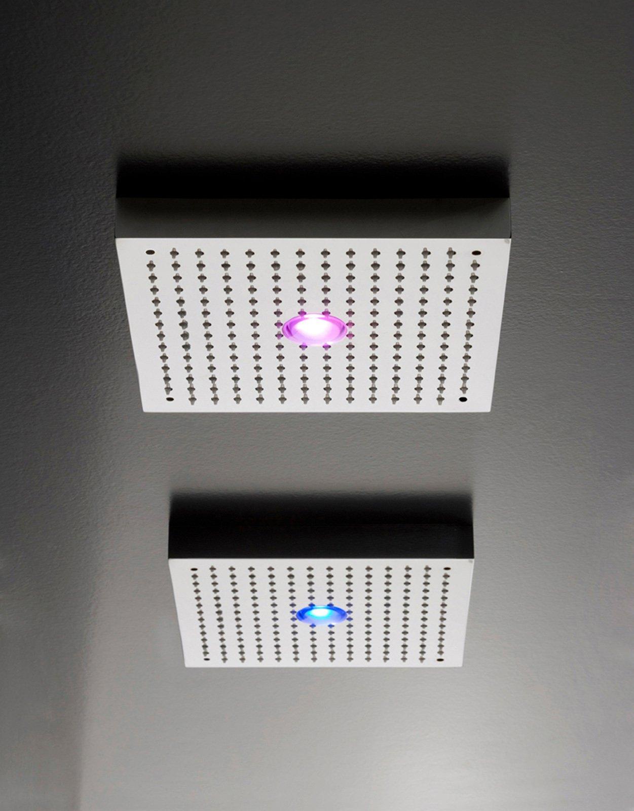 i soffioni shir di zazzeri possono avere luci fisse o in sequenza di vari colori