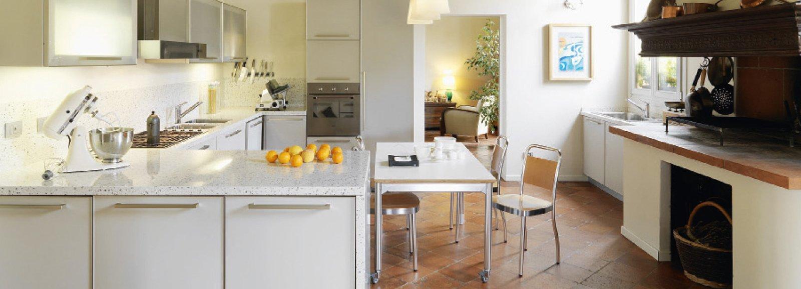 Casa classica con finiture e mobili d 39 epoca cose di casa for Ristrutturare casa classica