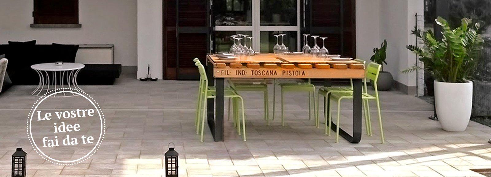 Un tavolo con materiale di recupero - Cose di Casa