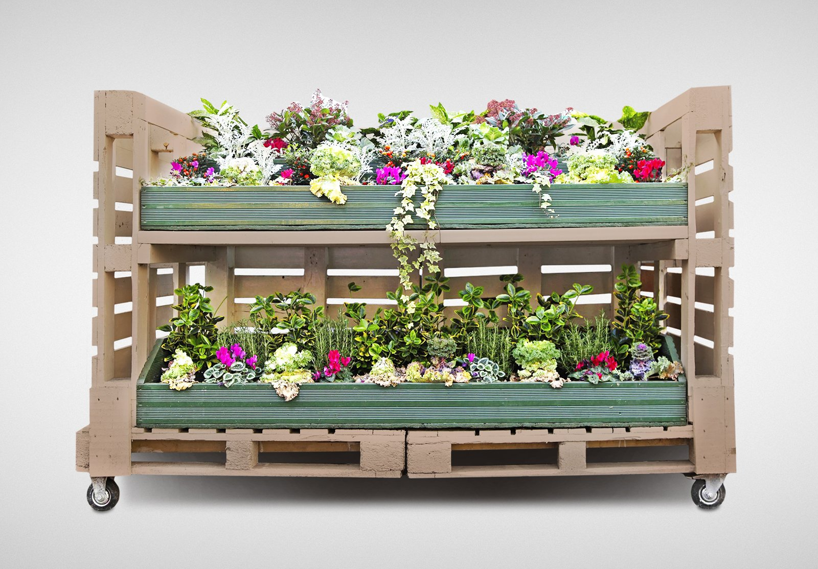 Pallet da supporto per le merci ad arredo ecosostenibile - Pallet arredo giardino ...