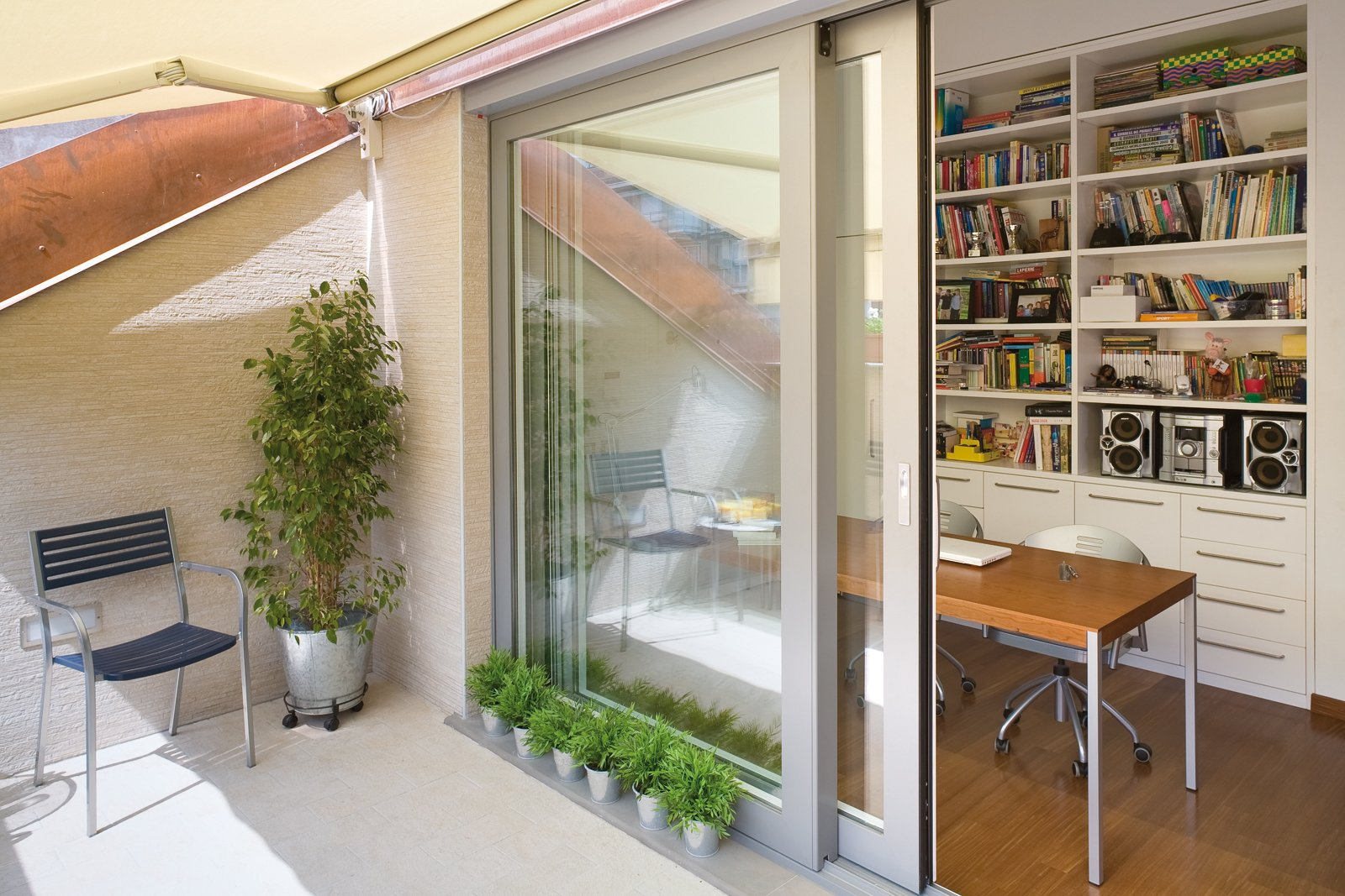Costruire un balcone nel tetto cose di casa - Idee per chiudere un terrazzo ...