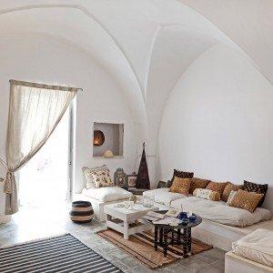 Una casa in pietra in stile mediterraneo - Cose di Casa