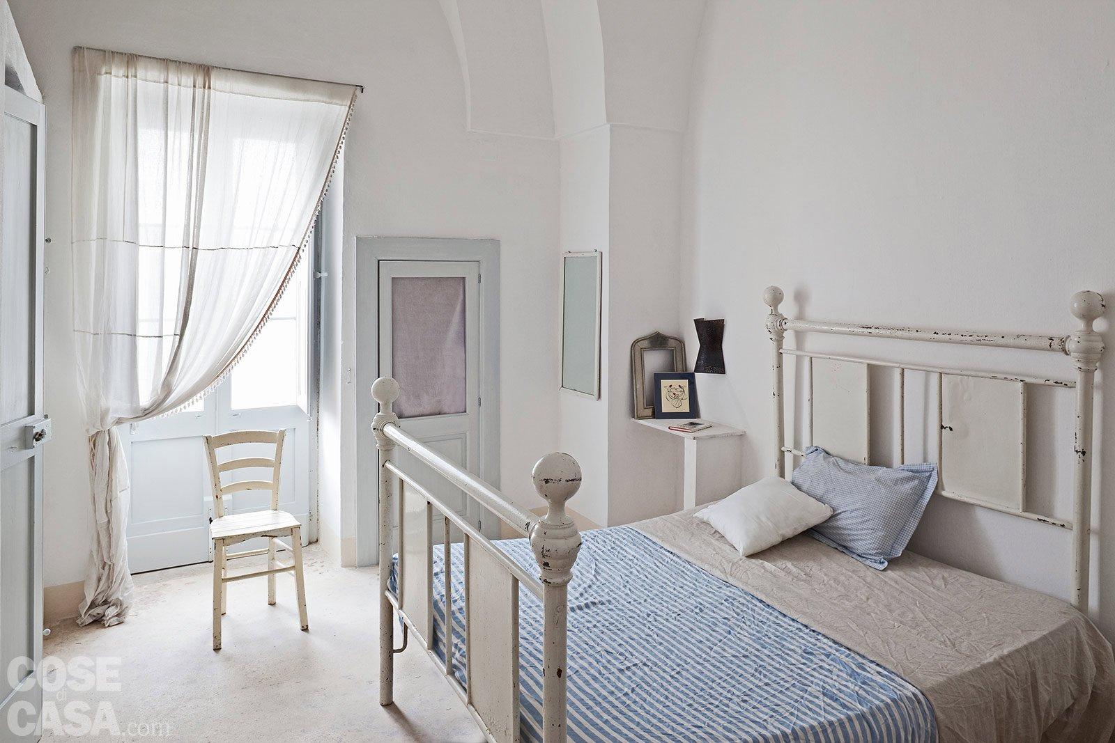 Una casa in pietra in stile mediterraneo cose di casa for Piani del giroletto in stile missione