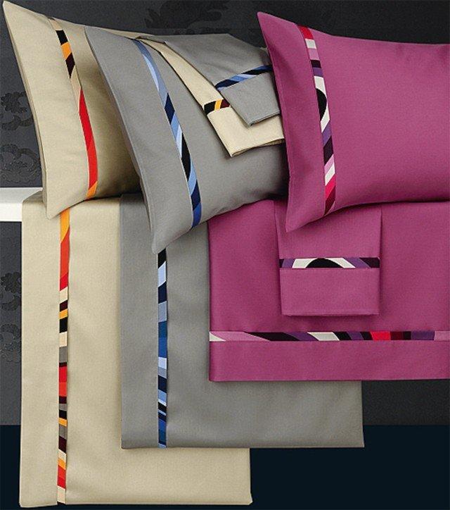 Il set di lenzuola matrimoniale è in raso di puro cotone 139 euro Ola di Via Roma60 ]  www.viaroma60.it
