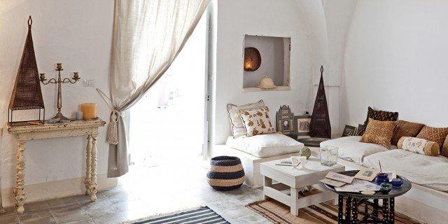 Una casa in pietra in stile mediterraneo