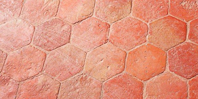 Pavimento in cotto come proteggerlo dalle macchie cose - Cristiani pavimenti ...