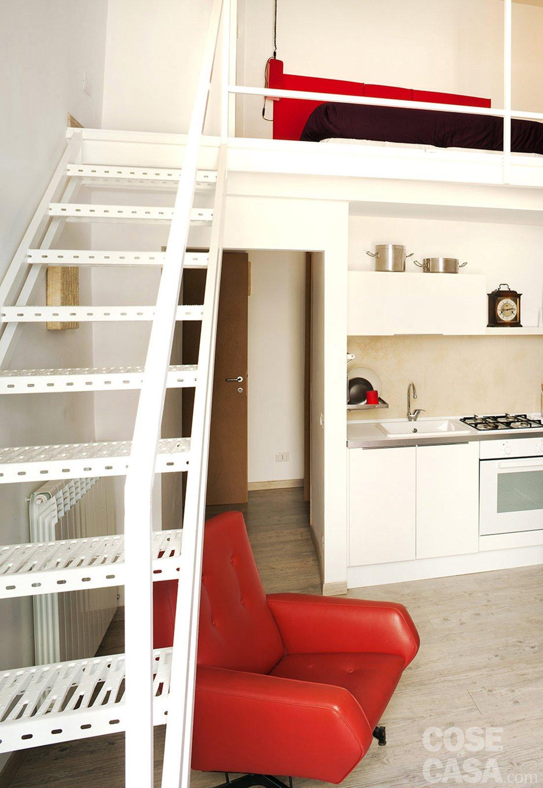 Una casa che punta al risparmio cose di casa - Cucina con soppalco ...