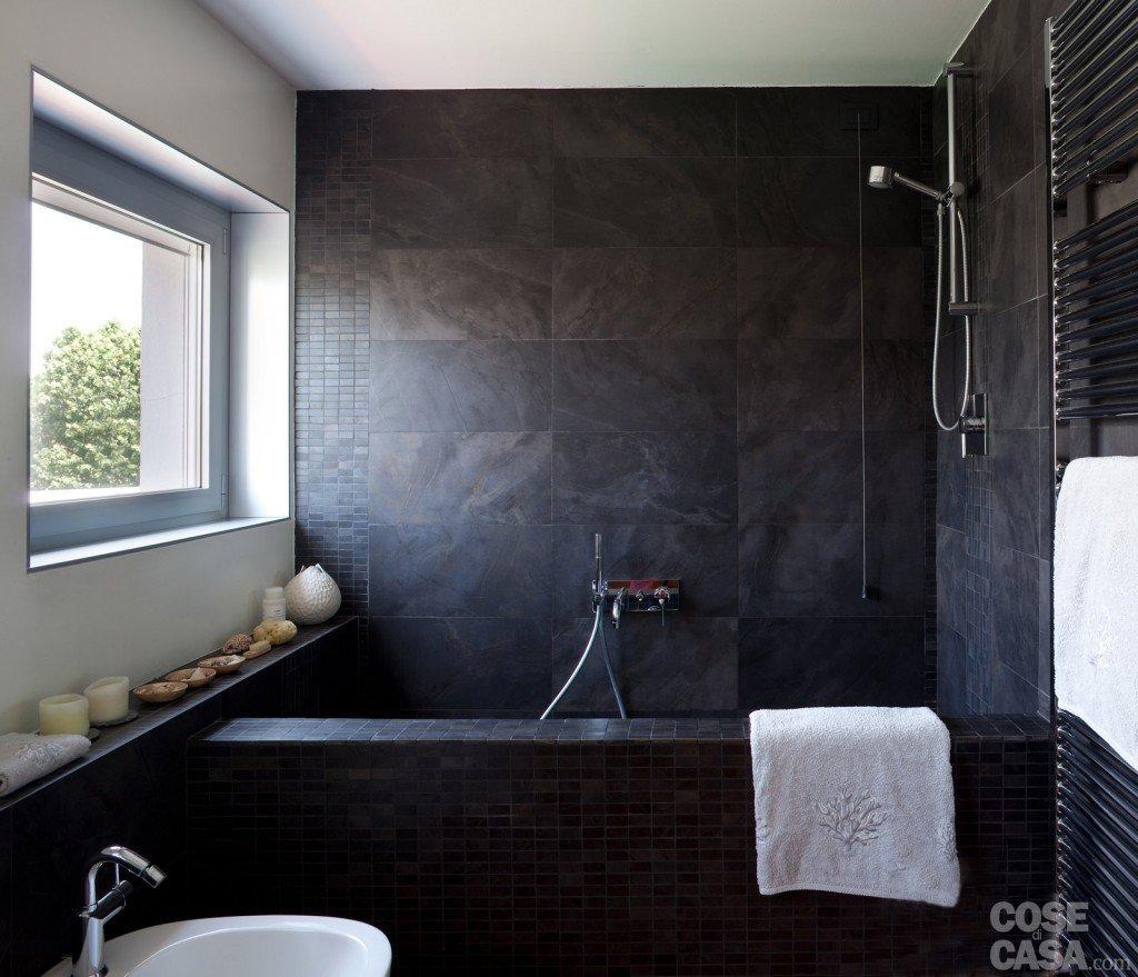 80 mq una casa per due perfetta per fare inviti cose - Altezza parapetti finestre normativa ...