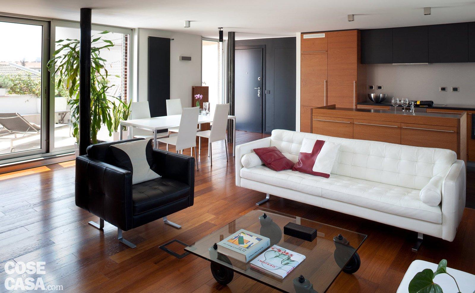 80 mq una casa per due perfetta per fare inviti cose for Pilastri per una casa