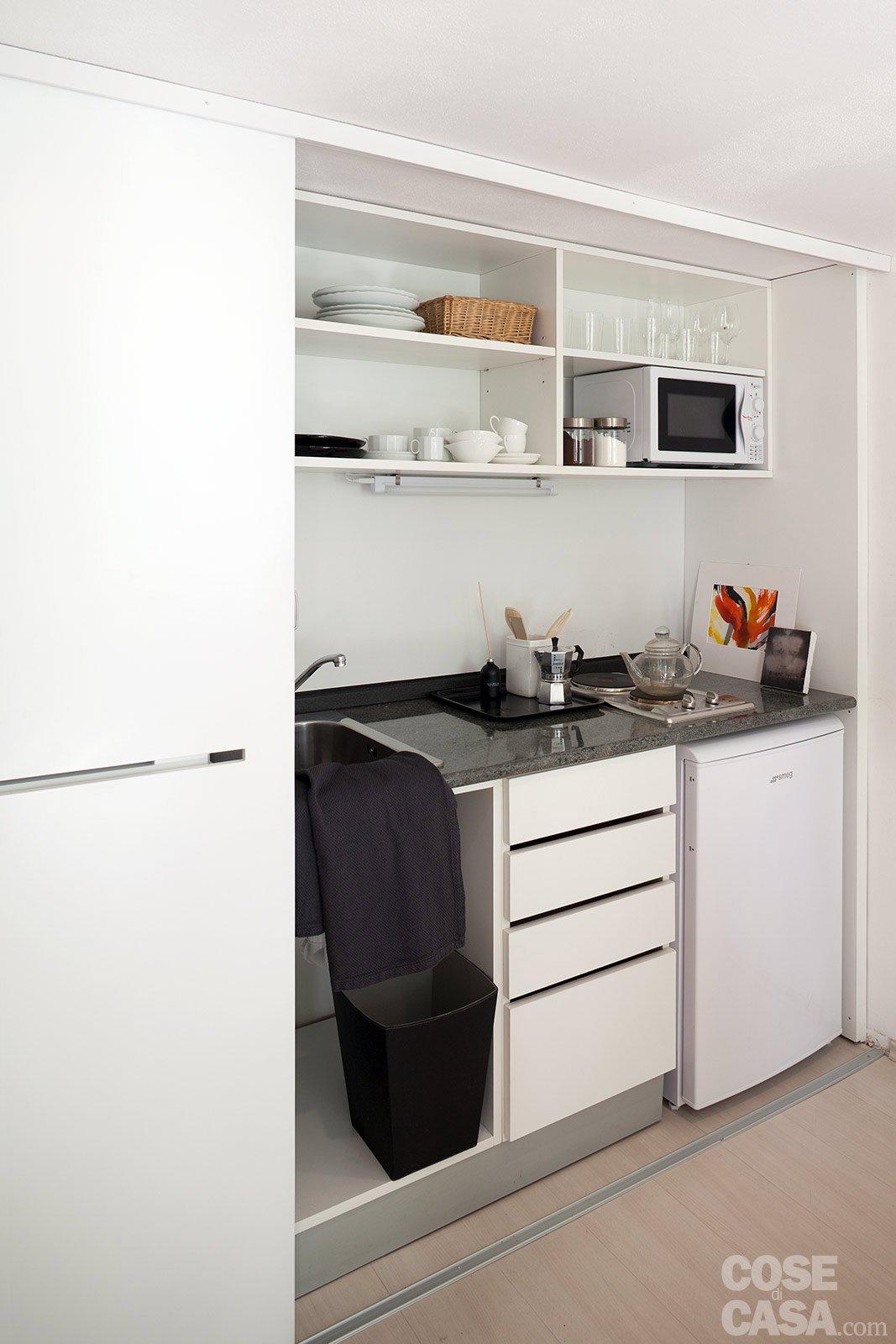 Monolocale una casa di 30 mq risolta al centimetro cose - Arredare casa 30 mq ikea ...