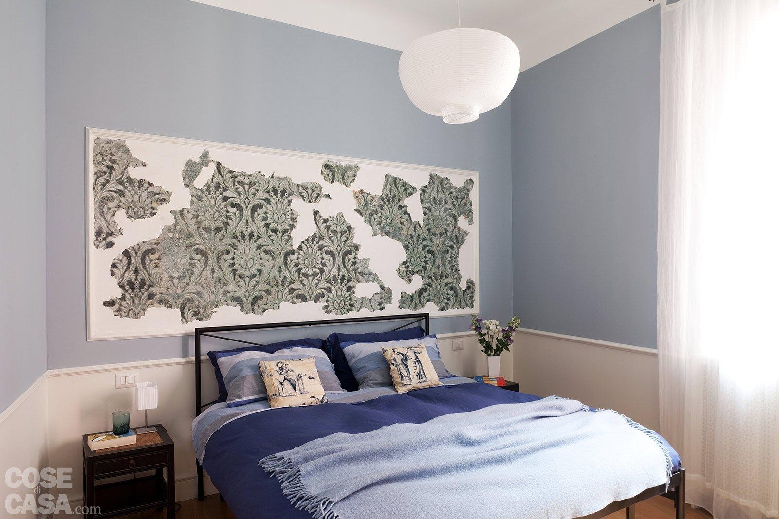 La casa per due un bilocale di classe cose di casa - Boiserie camera da letto ...