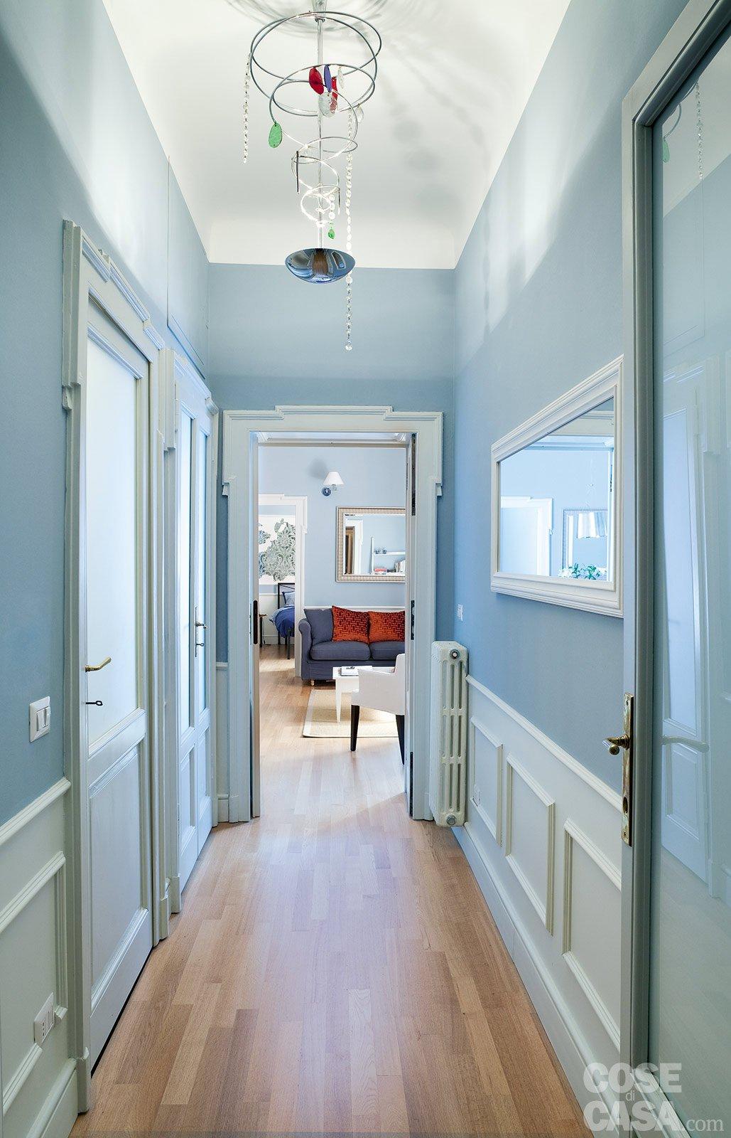 Corridoio lungo e buio design casa creativa e mobili - Mobili per corridoio ...