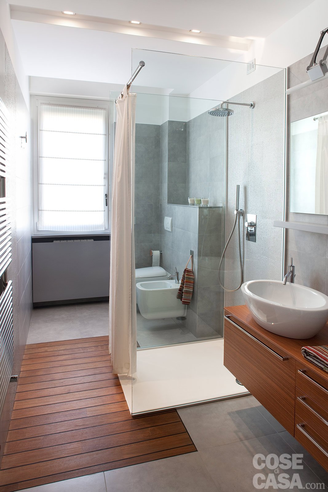 FOCUS ON: Teak in bagno
