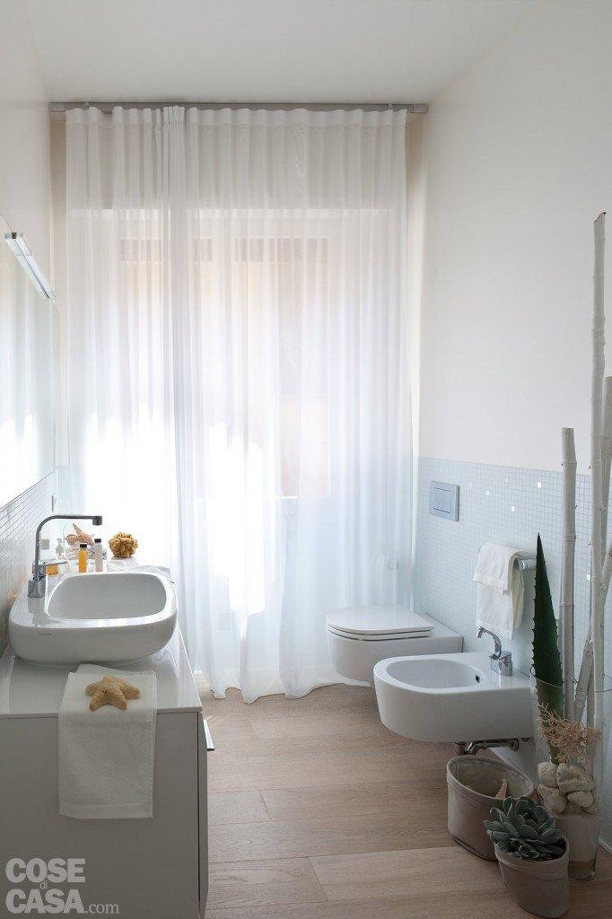 75 mq 10 idee per far sembrare pi grande la casa cose - Idee per piastrellare un bagno ...