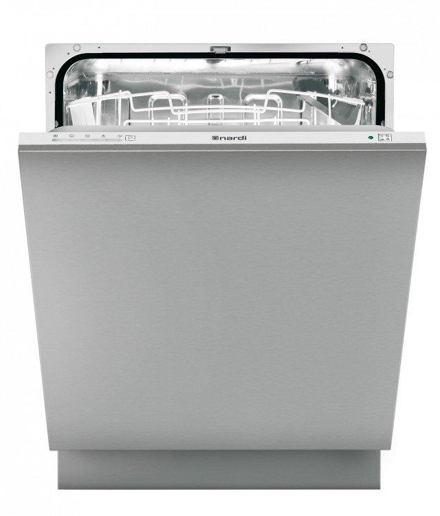 La lavastoviglie LSI 6012 SH di Nardi integrata a scomparsa totale per 12 coperti, ha sistema di controllo digitale. Regolabile su 5 programmi di lavaggio e 4 temperature, ha cesto superiore regolabile e produce una rumorosità di 40 decibel. Prezzo 726 euro.  www.nardi.info