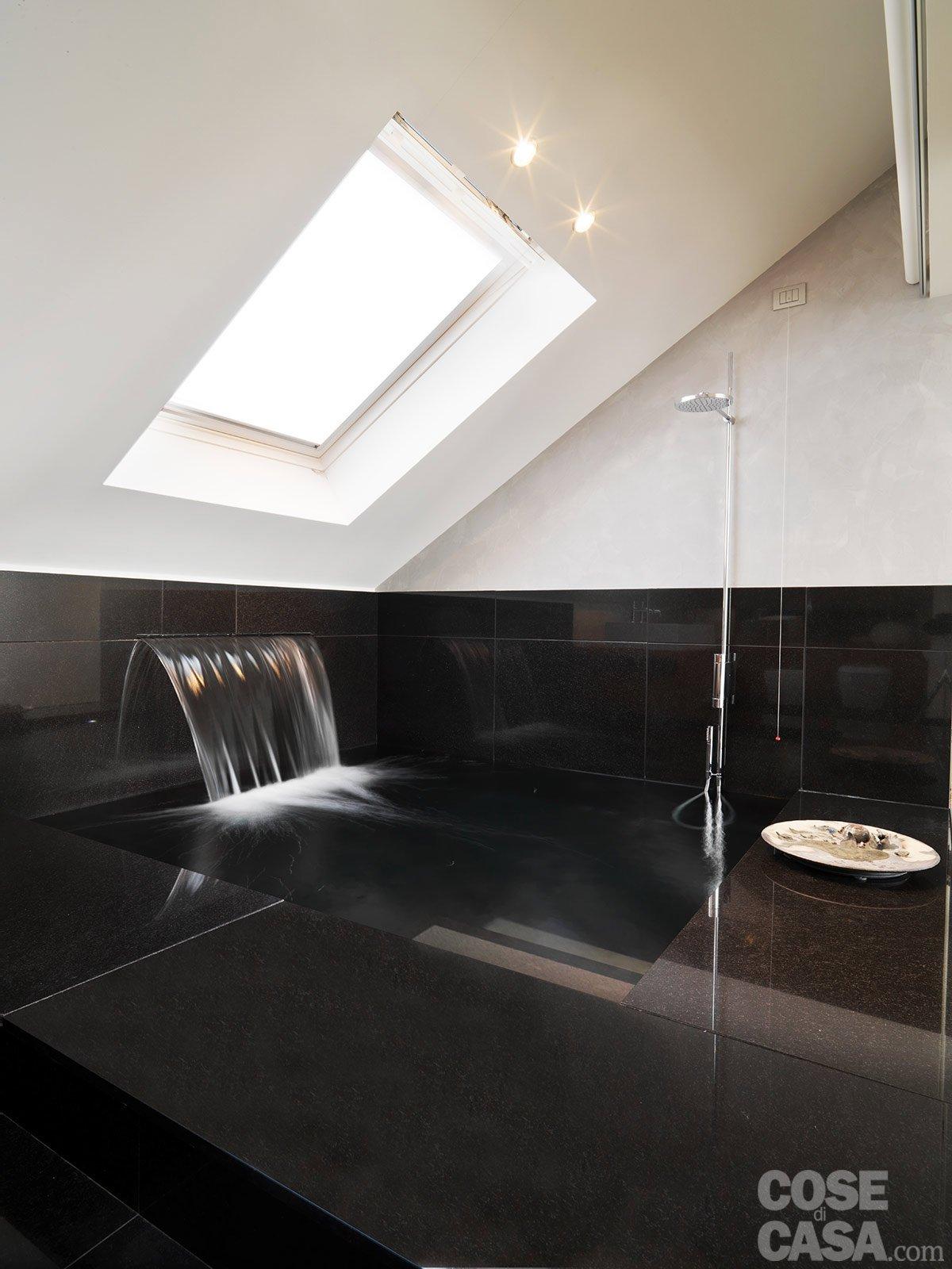 Casa soluzioni hi tech per interni anni 39 30 cose di casa - Bagno sottotetto ...