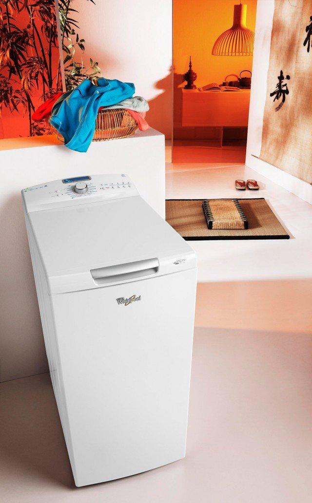 Nella lavatrice Zen 6° Senso Colors Green Generation AWZ 6512 con motore completamente integrato nella vasca, il rumore e le vibrazioni della macchina sono ridotti al minimo per la massima silenziosità. Consente inoltre di lavare anche i capi più delicati in completa sicurezza assicurando colori sempre brillanti grazie al movimento asimmetrico del cestello che permette la distribuzione omogenea degli indumenti. In classe A+++, ha capacità di 6,5 kg. Silenziosità di 51 decibel. Misura L 40 x P 60 x H 90 cm. Prezzo 699 euro. www.whirlpool.it