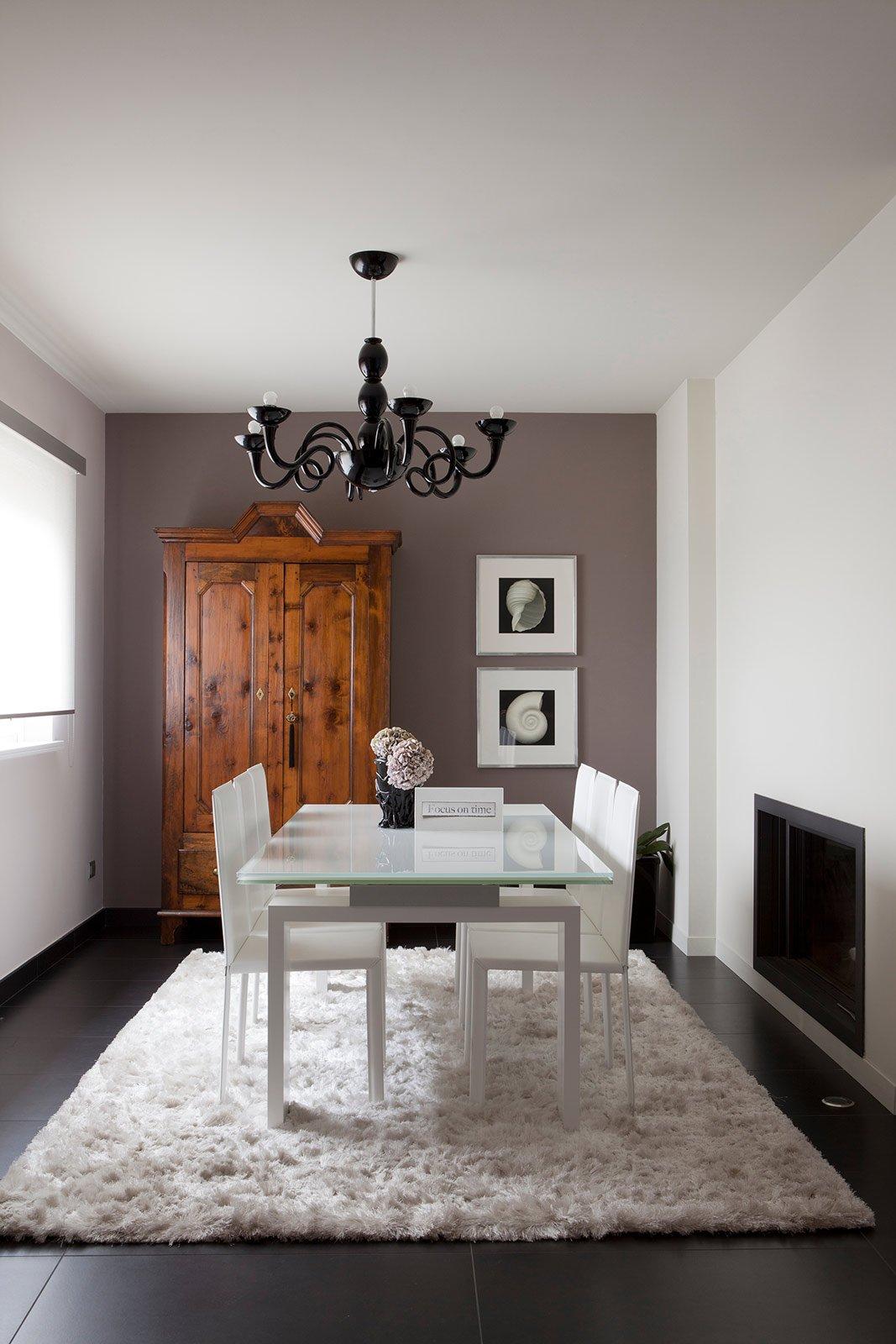 Bianco grigio nero per la casa di gusto contemporaneo for Arredamento grigio