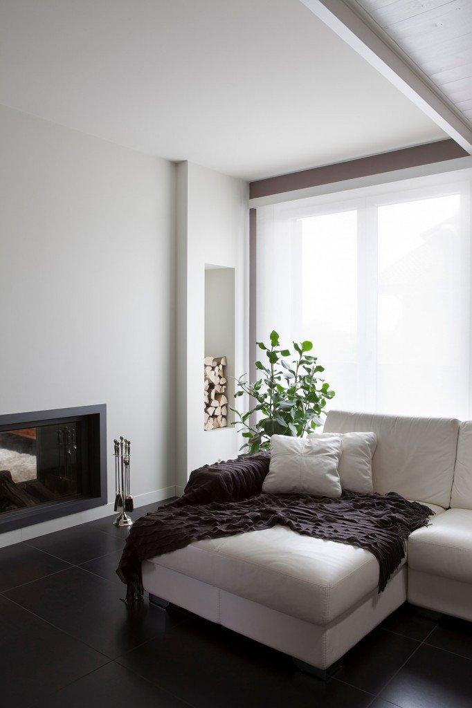 Bianco grigio nero per la casa di gusto contemporaneo for Divano incassato