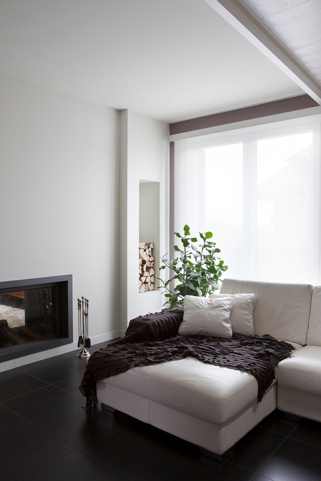 Bianco grigio nero per la casa di gusto contemporaneo for Casa del divano