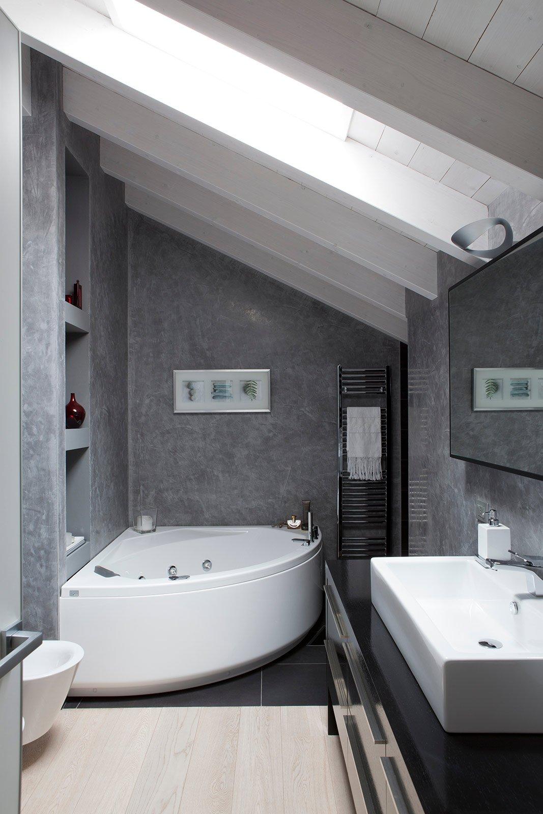 Bianco grigio nero per la casa di gusto contemporaneo - Comporre un bagno ...