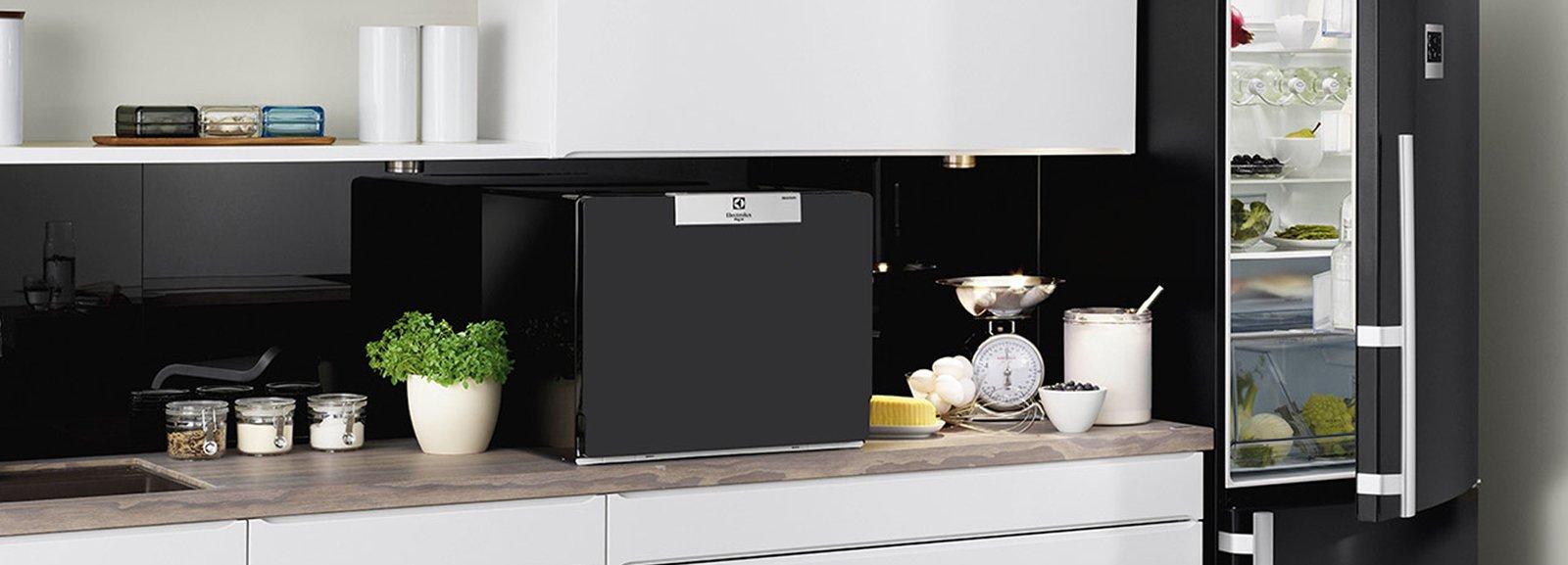 Elettrodomestici piccoli per risparmiare spazio cose di casa - Porta per lavastoviglie da incasso ...