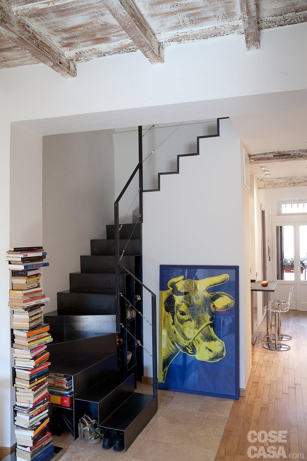 Una casa stretta e lunga che ottimizza lo spazio cose di - Scale di casa ...