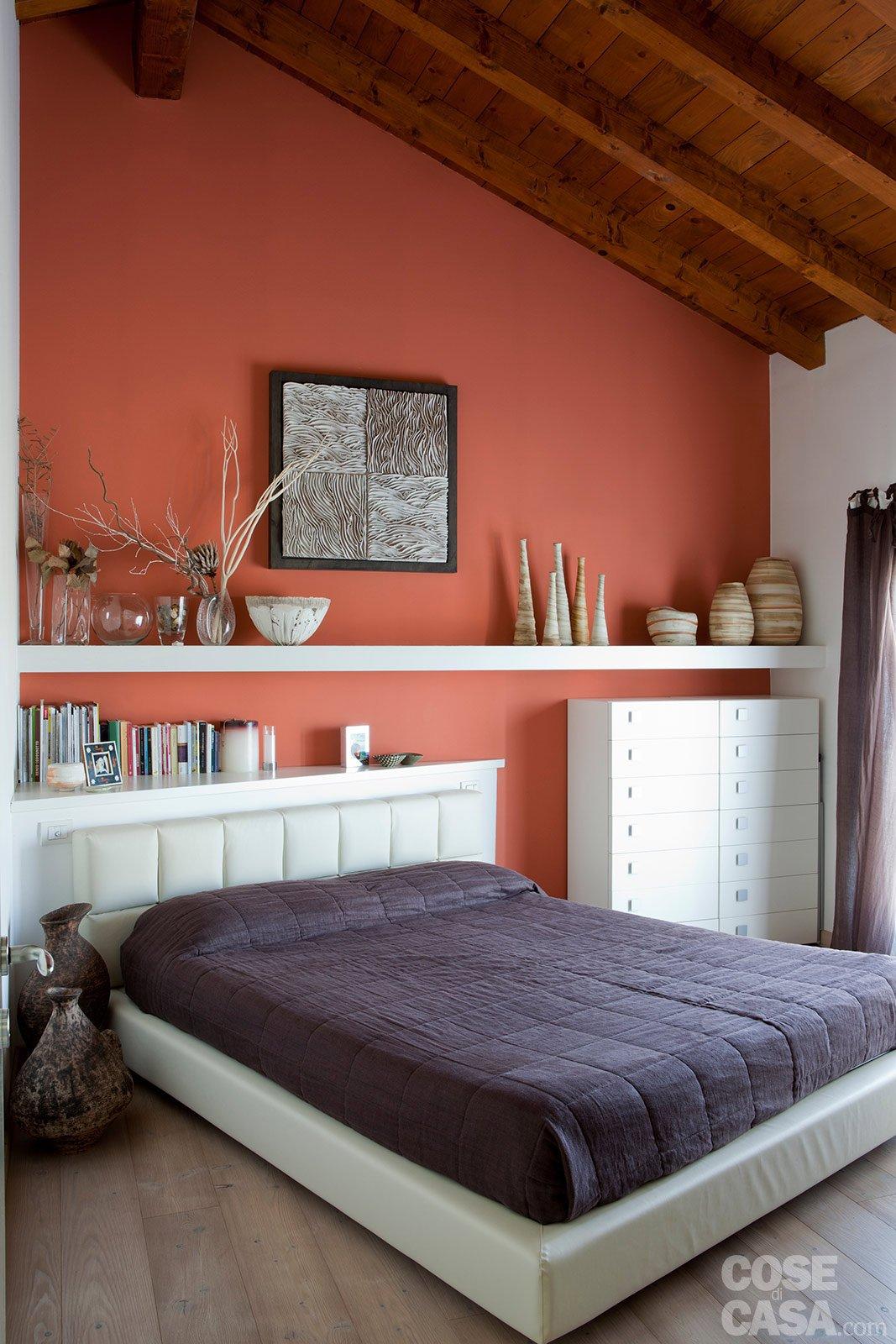 L 39 ex cascina diventa casa cose di casa - Camera da letto sottotetto ...
