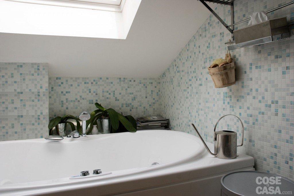 Sottotetto una casa con travi a vista cose di casa - Altezza parapetti finestre normativa ...
