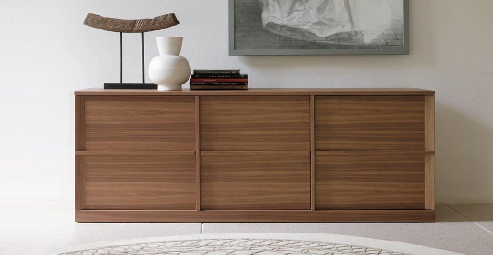 Carmilla Di Porada è Realizzata In Noce Canaletto Naturale Con Ante  #694830 1600 830 Ikea Tavoli Per Studio