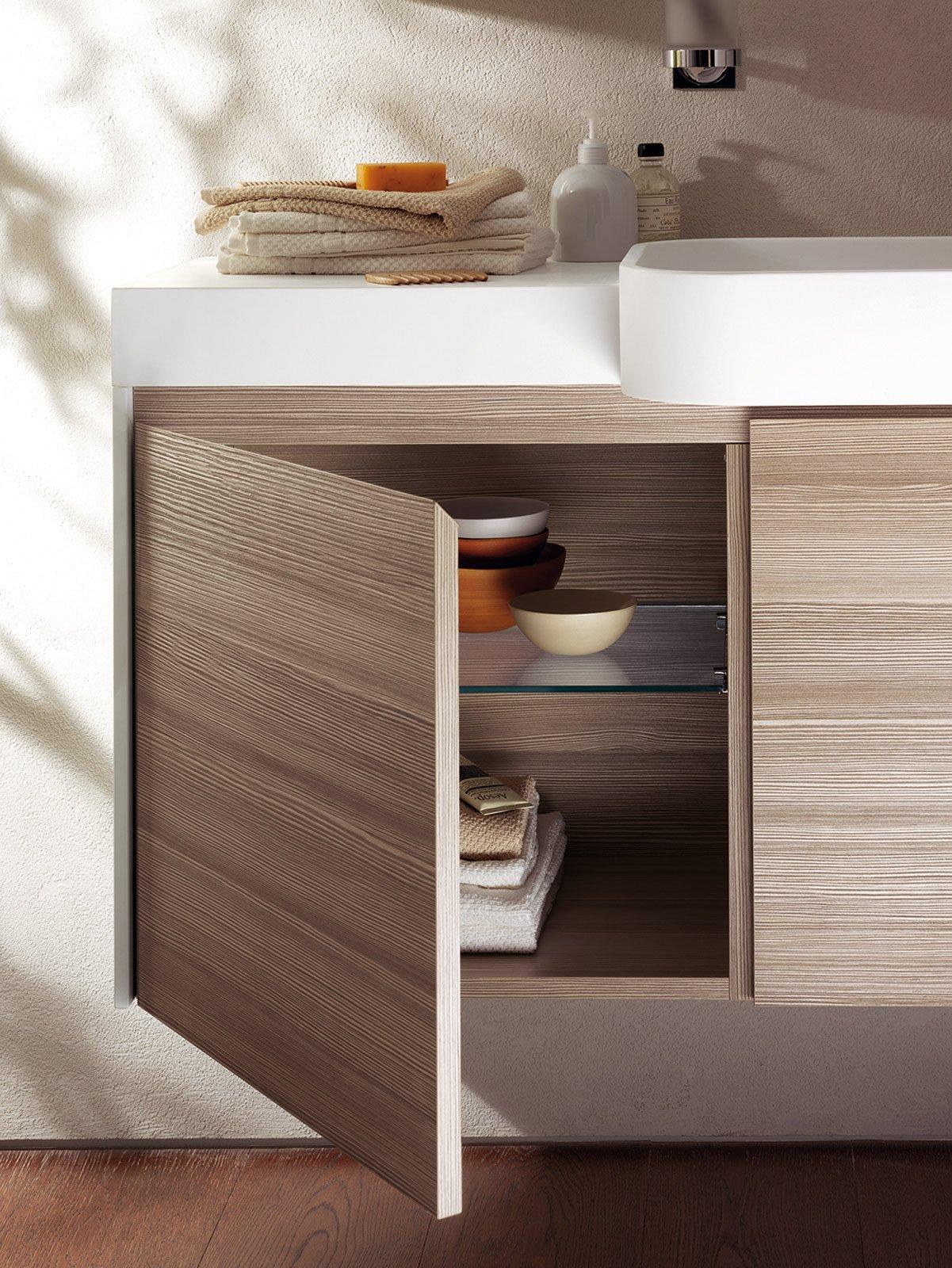 apertura il mobile lavabo della collezione rivo di scavolini bagno
