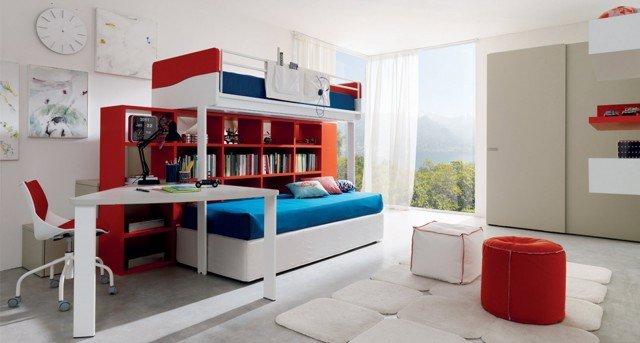 Multispazio Z110 di Zalf è una composizione realizzata in melaminico rosso, bianco ed effetto rovere canapa costituita da un letto Castello di Robin, salita con contenitori e un letto contenitore Flexy Box. Armadio con ante scorrevoli Free Cab in melaminico termostrutturato rovere canapa a poro aperto. Scrittoio e sedia con ruote. La composizione letto misura L 321,3 x  P 220 x H 180 cm. L'armadio L 182,5 x P 60 x H 230 cm. Prezzo per la composizione nell'immagine 5.500 euro. www.gruppoeuromobil.com