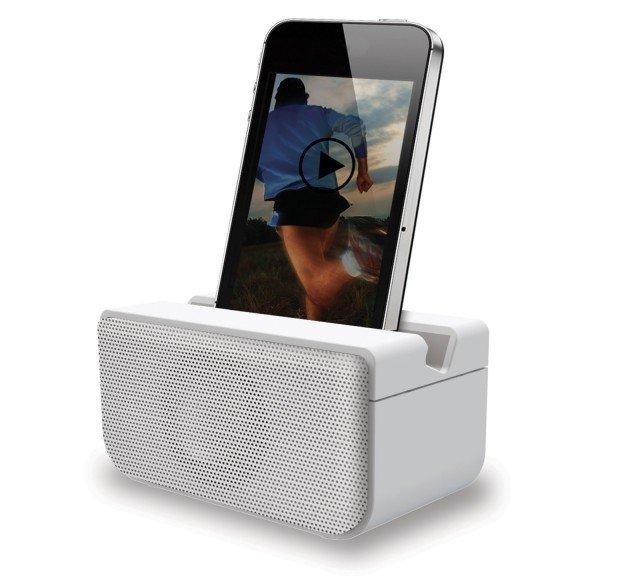 Boombero ZP201 di Oregon Scientific, è uno speaker wireless portatile in grado di riprodurre in modo semplice e automatico la playlist preferita, ovunque ci si trovi, basta avvicinarlo al proprio smartphone. I due dispositivi si sincronizzano in modo istantaneo e automatico amplificando il suono in modo perfetto. Predisposto con nuovo sistema di sincronizzazione NearFa  (Near Field Audio) che permette di diminuire il consumo energetico rispetto ai normali sistemi Bluetooth o wi-fi e garantisce fino a 20 ore di riproduzione ininterrotta. Ultra compatto, è disponibile in bianco e nero. Prezzo 49,99 euro. www.
