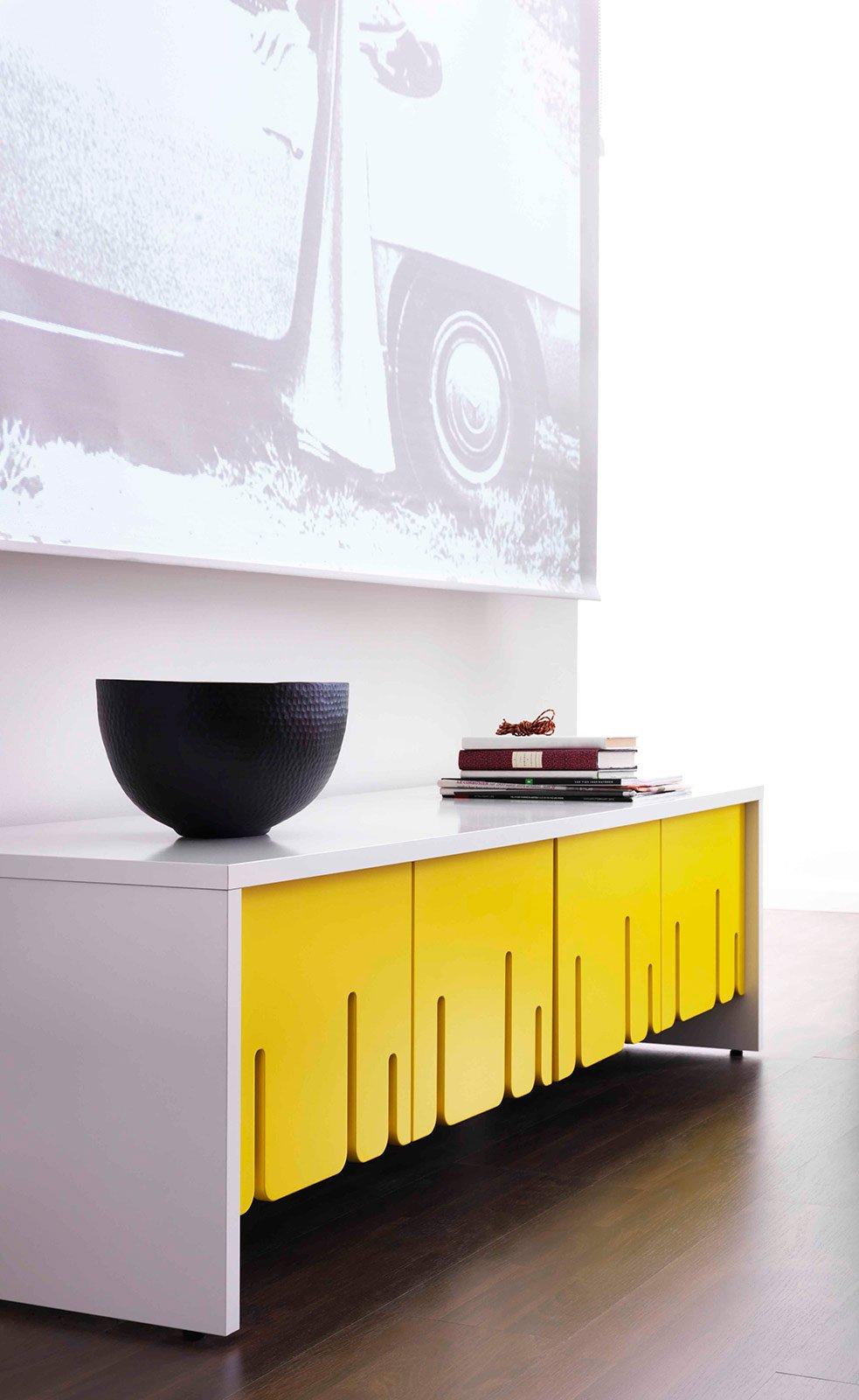 Arredare con un tocco di ironia o con un po 39 di colore cose di casa - Porta televisore ikea ...