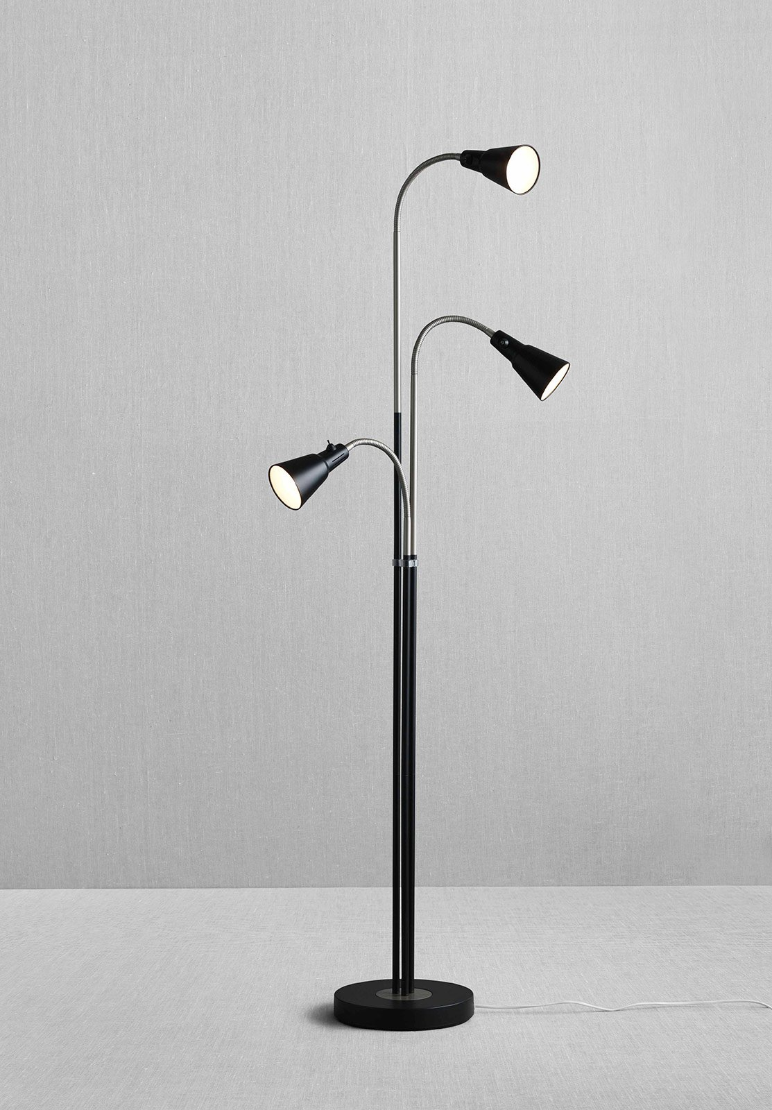 Lampade da terra per ogni ambiente cose di casa for Ikea lampada scrivania