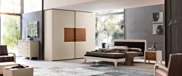 Camera da letto a tinte chiare cose di casa - Comodini specchio ikea ...