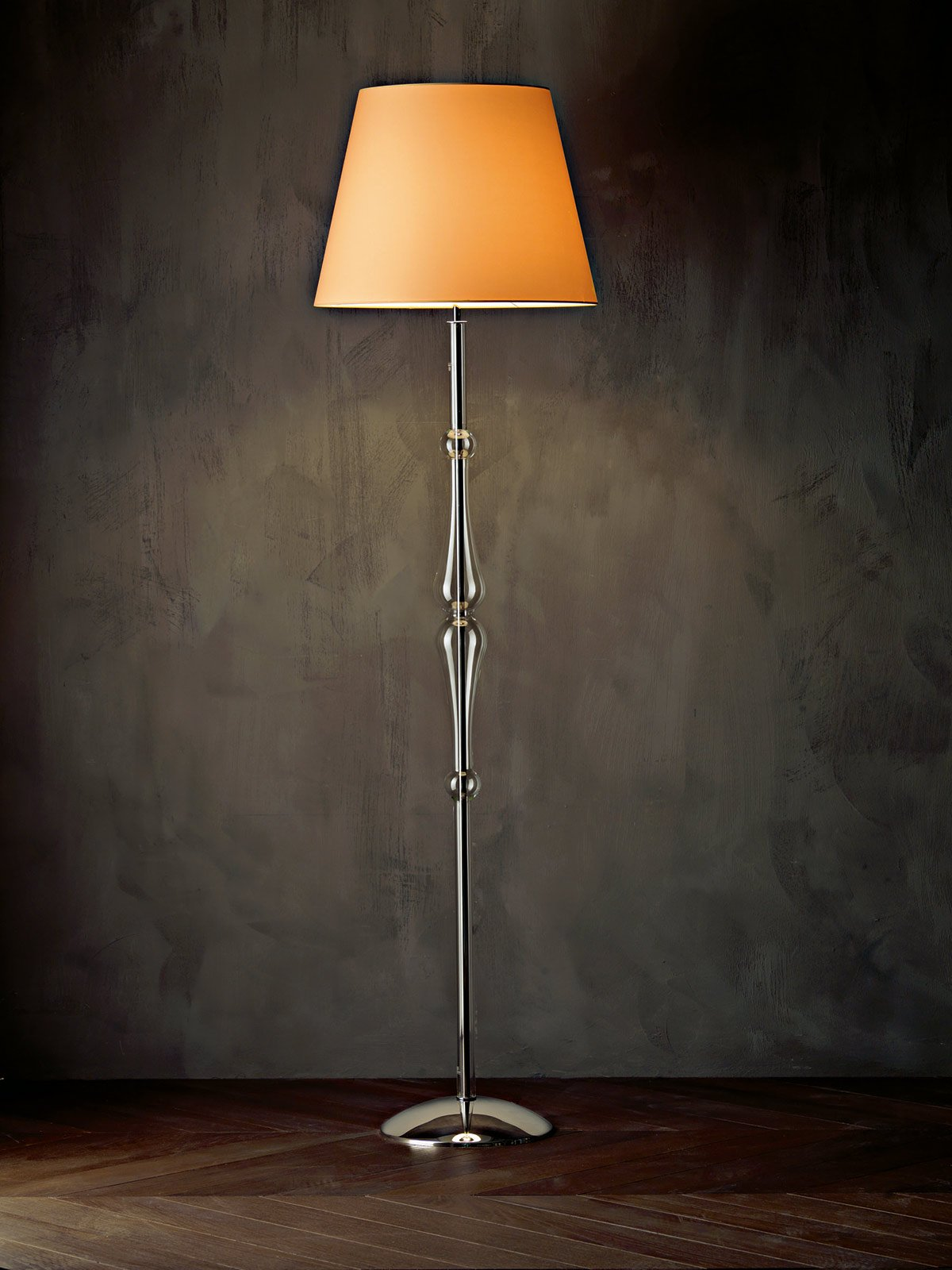 Lampade da terra per ogni ambiente cose di casa for Lampade da salotto