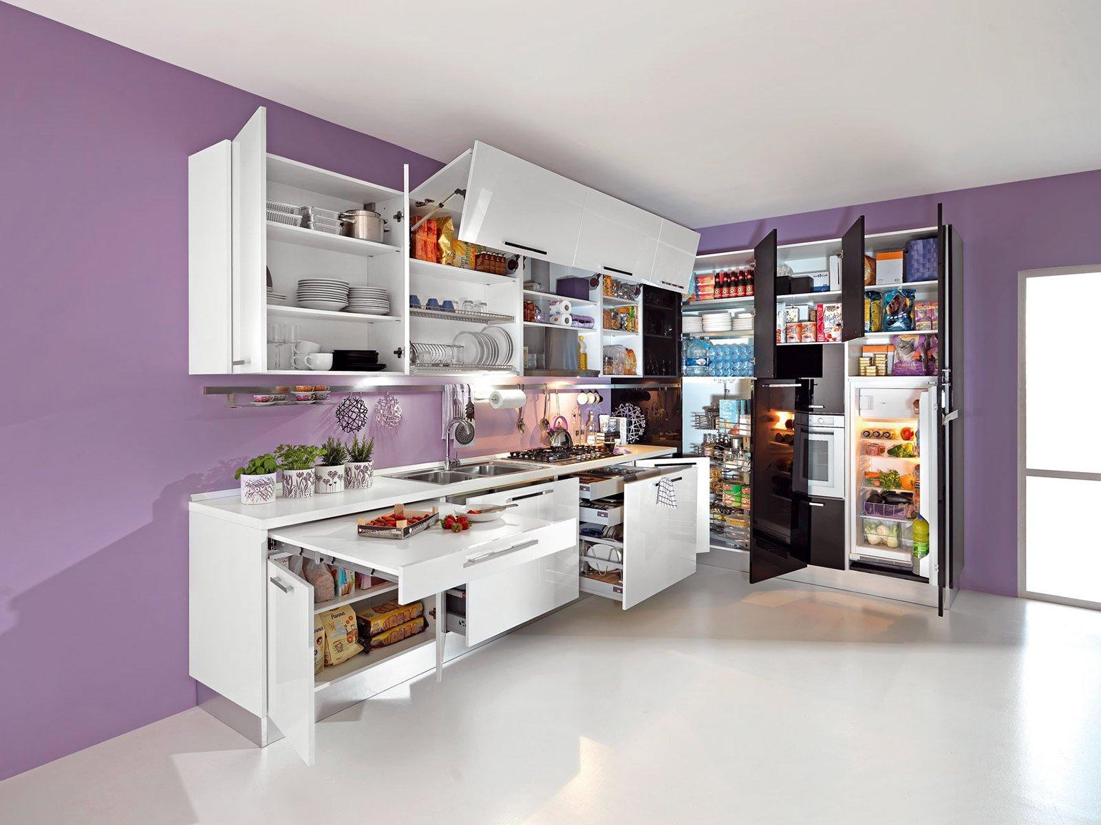 Cucine Con Angolo Dispensa. Interesting Cucina Ad Angolo Ue With ...