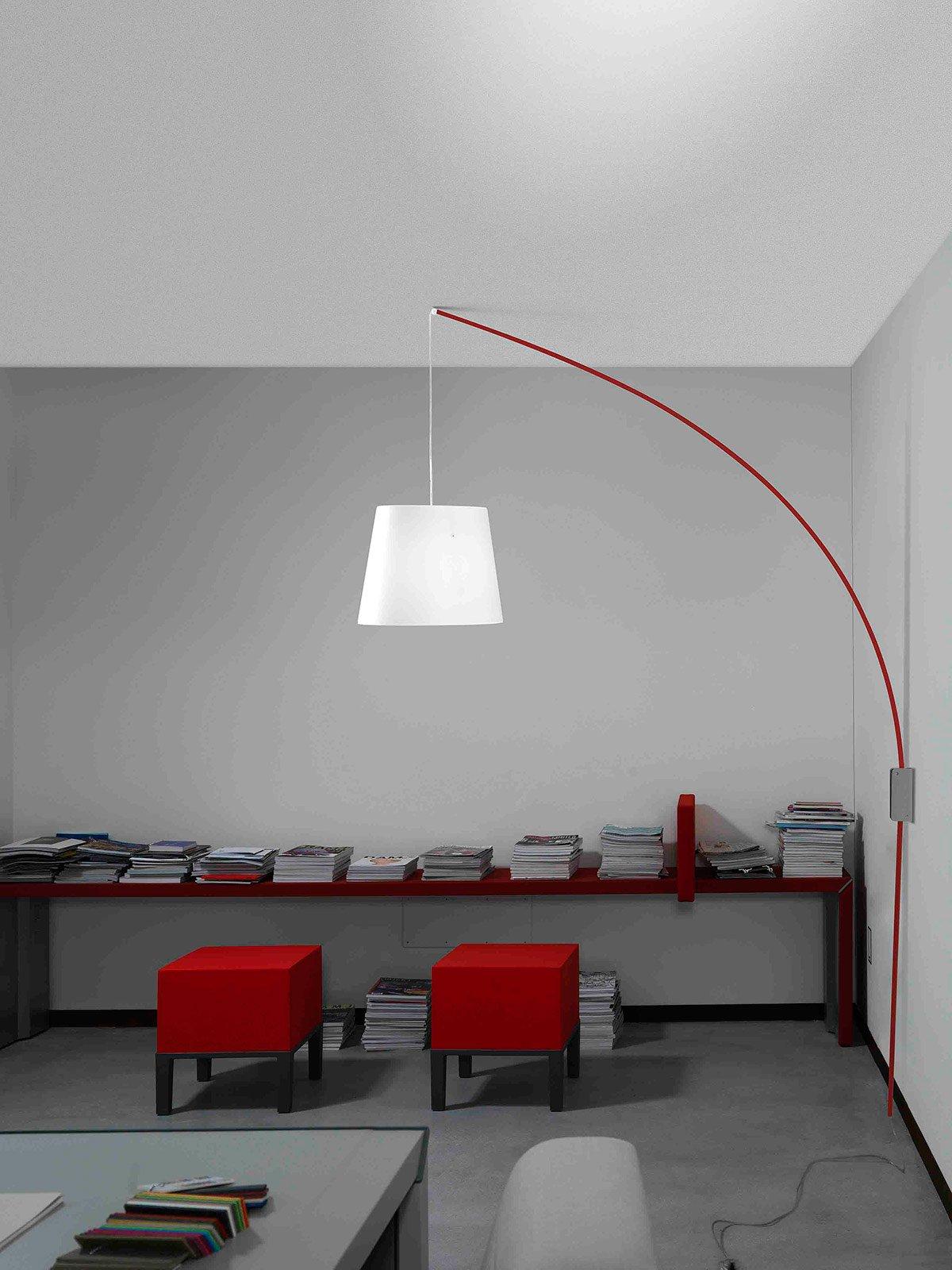 Cursore Di Marchetti Illuminazione Ha Un Supporto A Parete Per  #790E10 1200 1600 Piantane Per Tavolo Da Pranzo