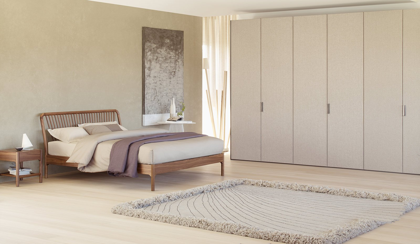 STILE NORDICO. Nella stanza arredata Flou, il letto Sveva ha un design ...