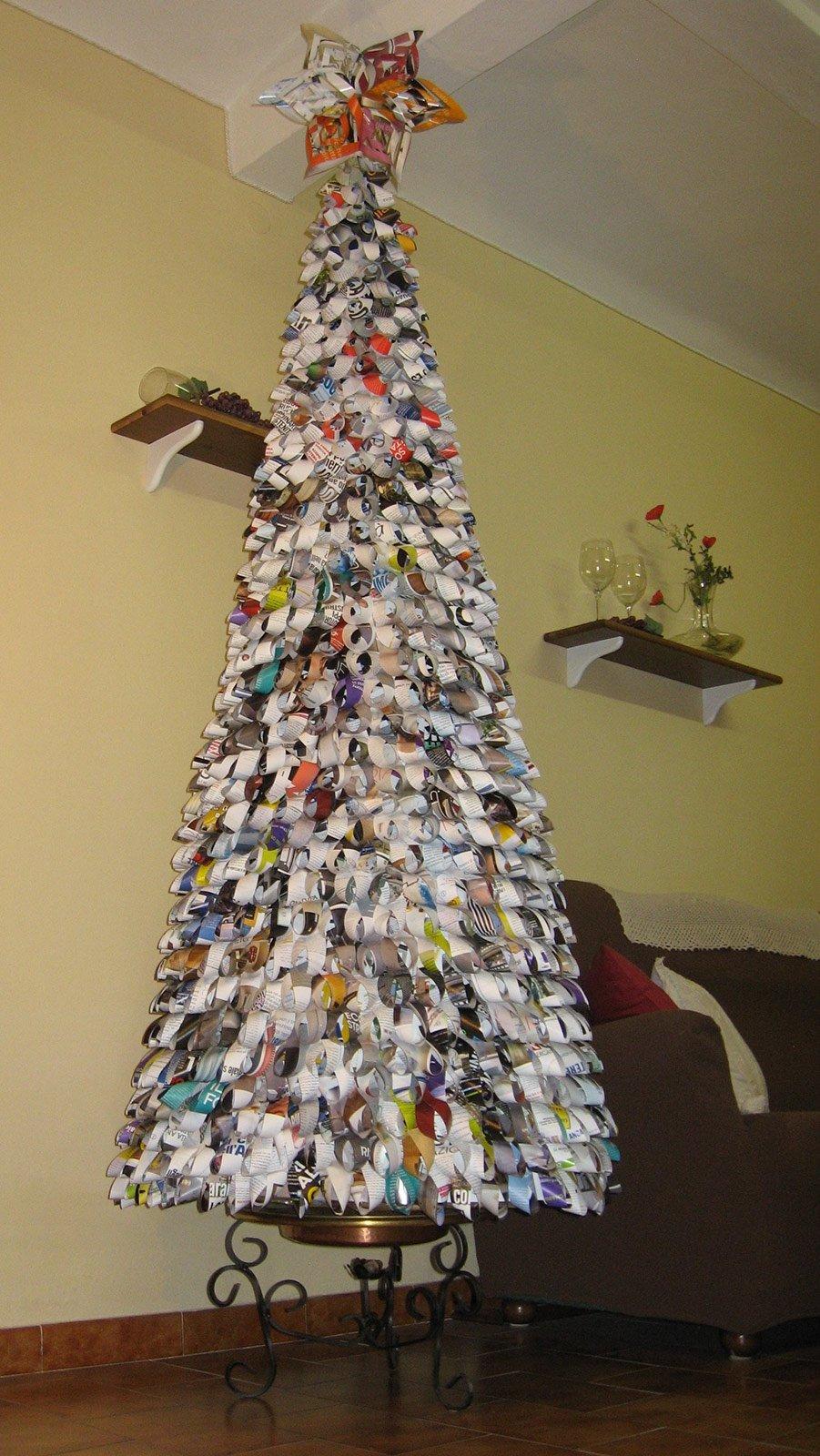 Decorazioni Natalizie Low Cost alberi di natale low cost: in carta riciclata e in legno di