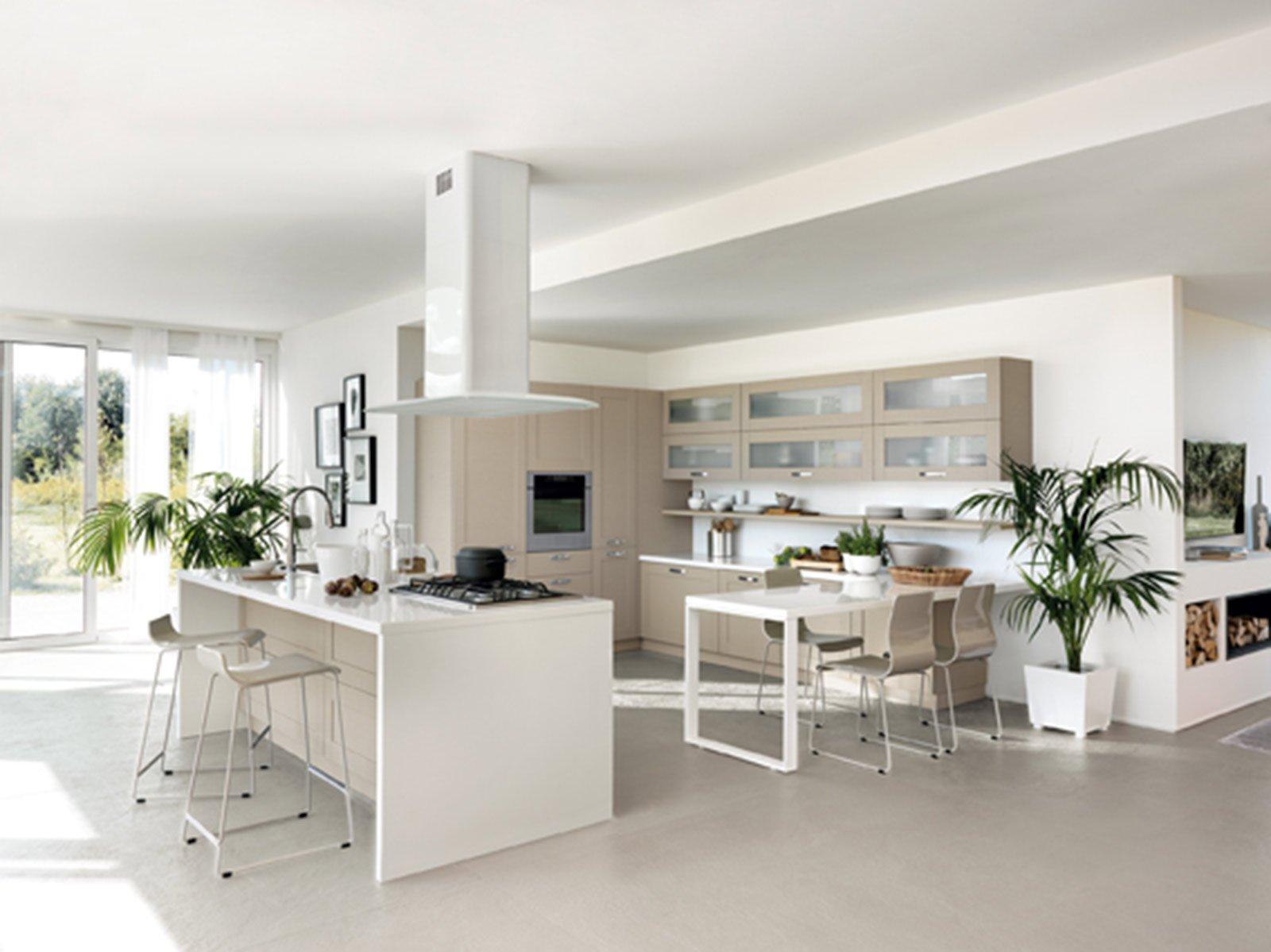 Cucina libert compositiva cose di casa for Cucine con piano cottura centrale