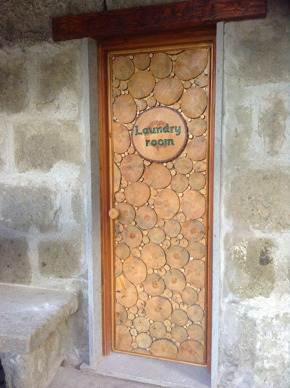 Porta decorata con dischi di legno cose di casa for Dischi di legno