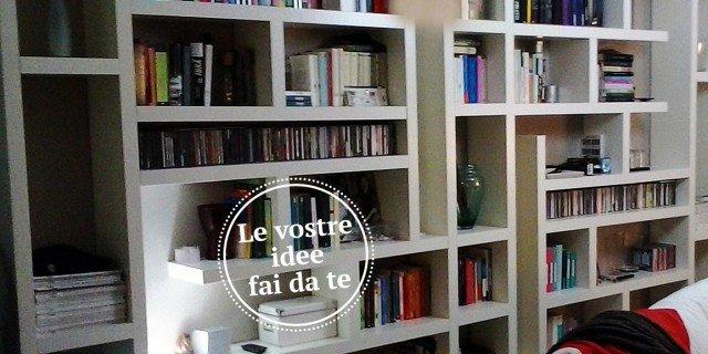 Mensole Componibili Per Casa.Una Maxi Libreria Fatta Di Mensole Orizzontali E Verticali Cose