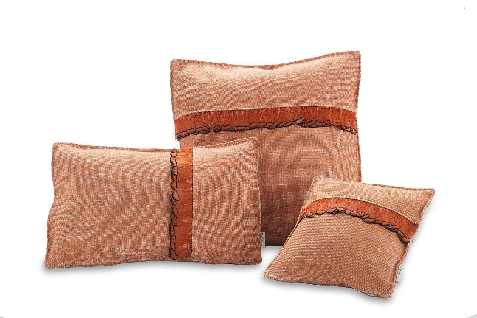 Divano Arancione E Marrone : Divano scuro con quali accessori lo ravvivo cose di casa