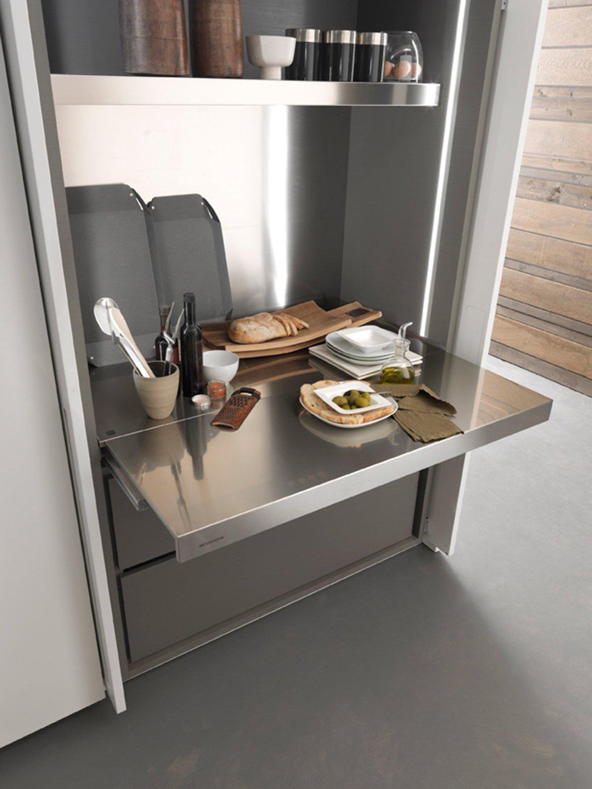 Funzionalit in cucina con le attrezzature giuste cose for Piani di cucina con dispensa maggiordomo