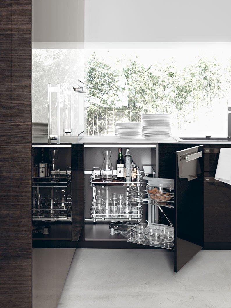 Funzionalit in cucina con le attrezzature giuste cose for Cestelli estraibili per cucina ad angolo