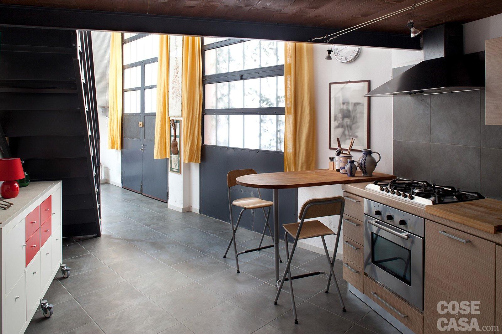 Loft una casa rinnovata con tante idee cose di casa - Mobili sottoscala ikea ...