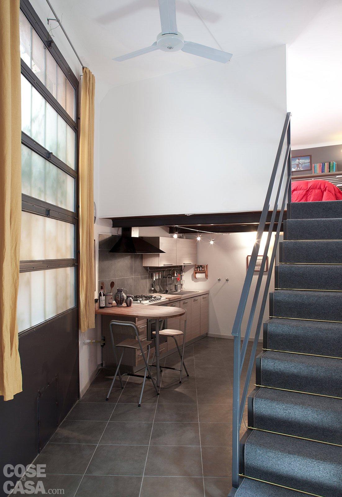 Loft una casa rinnovata con tante idee cose di casa for Idee scale per soppalchi